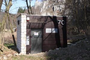 Toaleta koło Kasy - Jaskinia Ciemna
