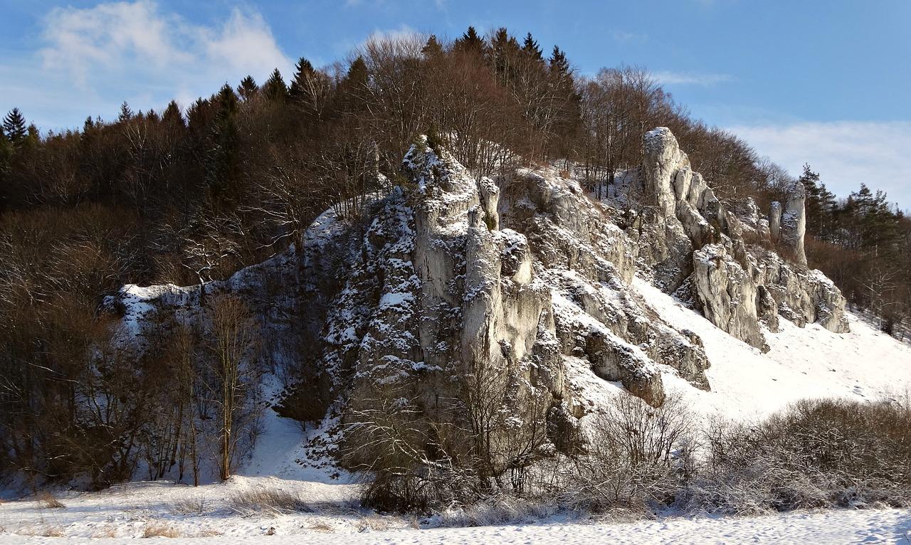 Zima w Ojcowie - źródło Pixabay CC0 Creative Commons